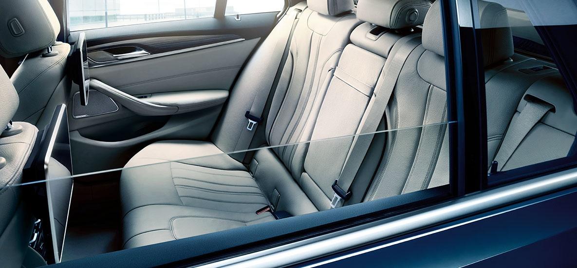 BMW-Jahresstart-2020-2020-q1-bmw-the-5-jahresstart-slide-03-1185-550px.jpg_1558710428